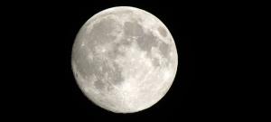 La luna è triste